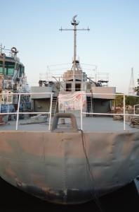El casco de la embarcación ya presenta daños, abolladuras, luego de permanecer 6 años en el olvido de las autoridades.