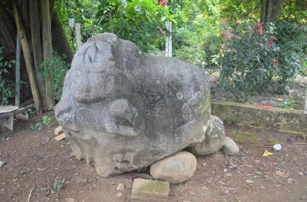 Se trata de un monumento deidad olmeca, al parecer con un periodo de antigüedad de más de 2 mil 500 años, está en un rancho de Mecayapan.