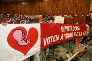 Piden frenar el aborto, SI A LA VIDA, dicen.