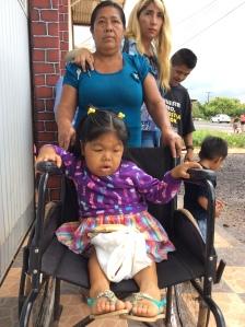 """Hermila Cruz tiene 26 años pero en realidad luce como una bebé de 1 año: su piel es tersa, lozana, baja estatura y no puede hablar sino más que balbucear. Ni siquiera puede decir. """"Mamá."""