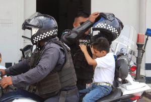 Los niños conocen a elementos de la Secretaría de Seguridad Pública Estatal