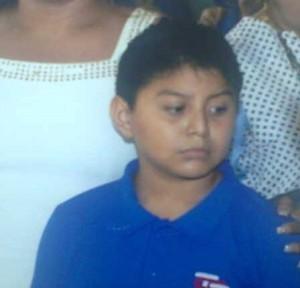 El pequeño Cristian, de solo 12 años-... secuestrado.