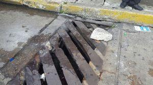 Cayó en esta trampa del municipio. Un riesgo a la integridad física de los ciudadanos.