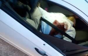 El cuerpo quedó al interior del vehículo.