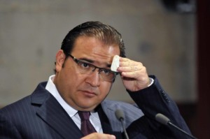 Javier Duarte, Gobernador con licencia de Veracruz. Nadie sabe dónde está.