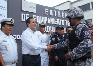 Alcalde entrega nuevas unidades de patrullaje al Mando Unico.