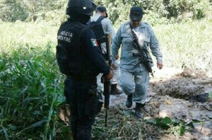 Encuentran toma clandestina de chupaductos en el sur de Veracruz.