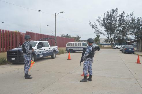 POLICÍA NAVAL Y FUERZA CIVIL